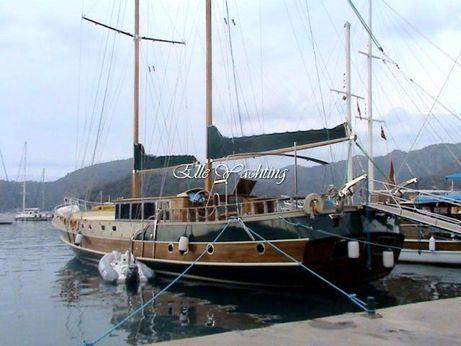 2008 24 M 5 Cabin Ketch