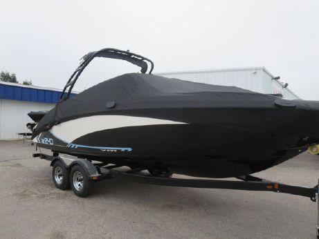 2015 Yamaha AR240