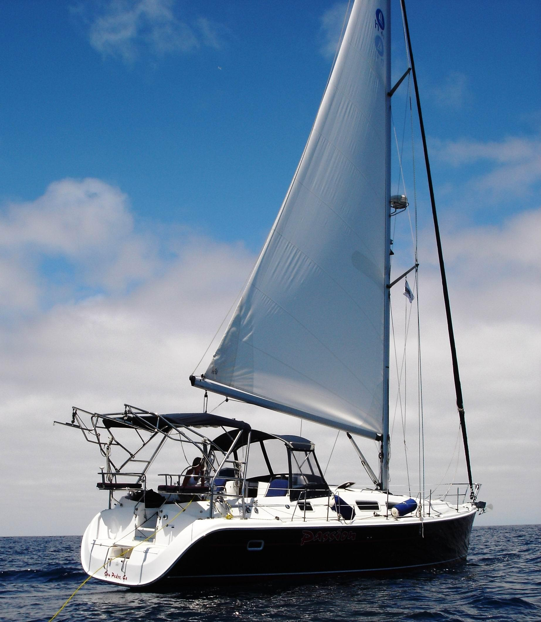 2004 Hunter 41 Sail Boat For Sale