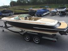 2015 Chris Craft 22 Launch with 300 HP