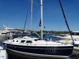 photo of 41' Hunter 41 Deck Salon