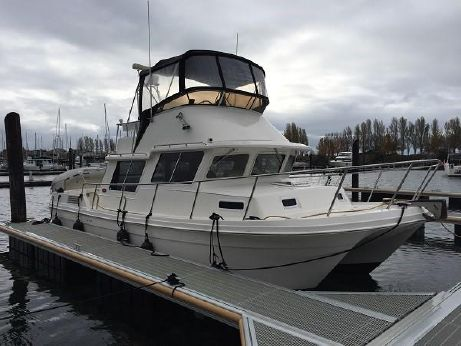 2000 Sea Sport 3200 Pacific (Twin Diesels! )