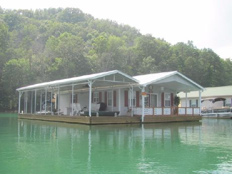1994 Custom Built 24 x 37.5 Floating Cottage 900sqft