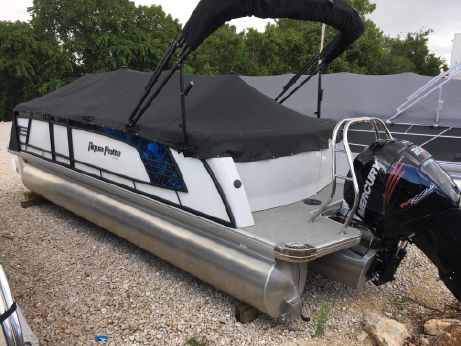 2017 Aqua Patio 235UL
