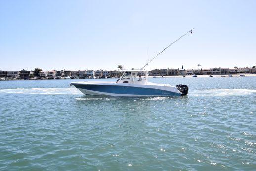 2011 Boston Whaler OUTRAGE