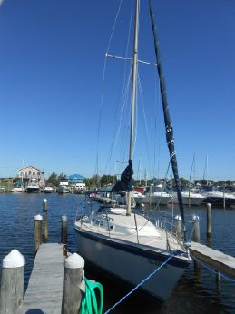 1979 O'day 28 Sloop
