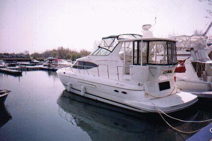 2001 Cruisers Yachts 4450 Motoryacht