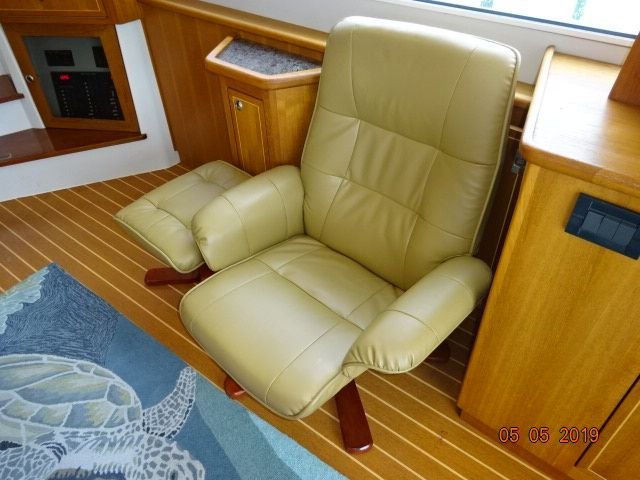 2008 Fathom Yachts Flybridge Expedition Power Boat For Sale
