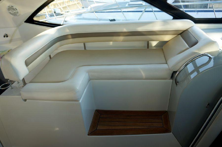2013 Sea Ray 470 Sundancer Helm Seat