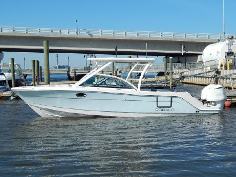 2018 Robalo R317 Dual Console