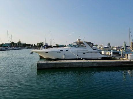 1998 Cruisers Yachts 3870 Express