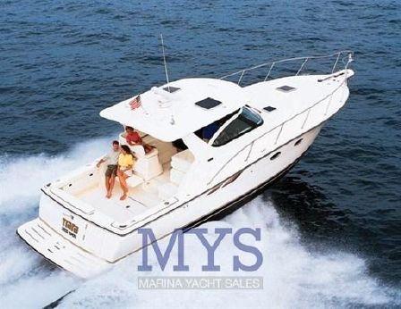 2000 Tiara Yachts 3800