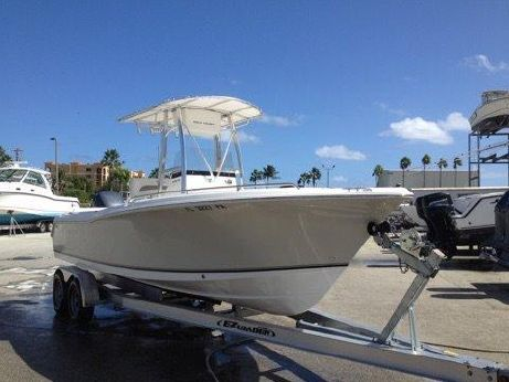 2009 Sea Hunt 232 TRITON CENTER CONSOLE