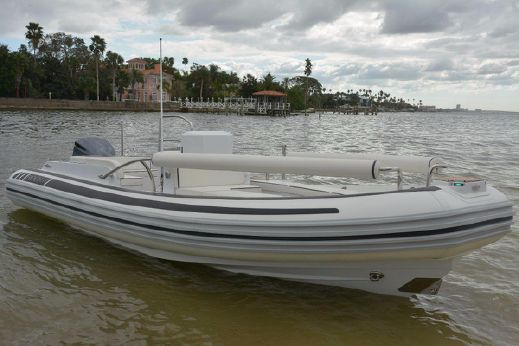 2018 Novurania LX Series 700