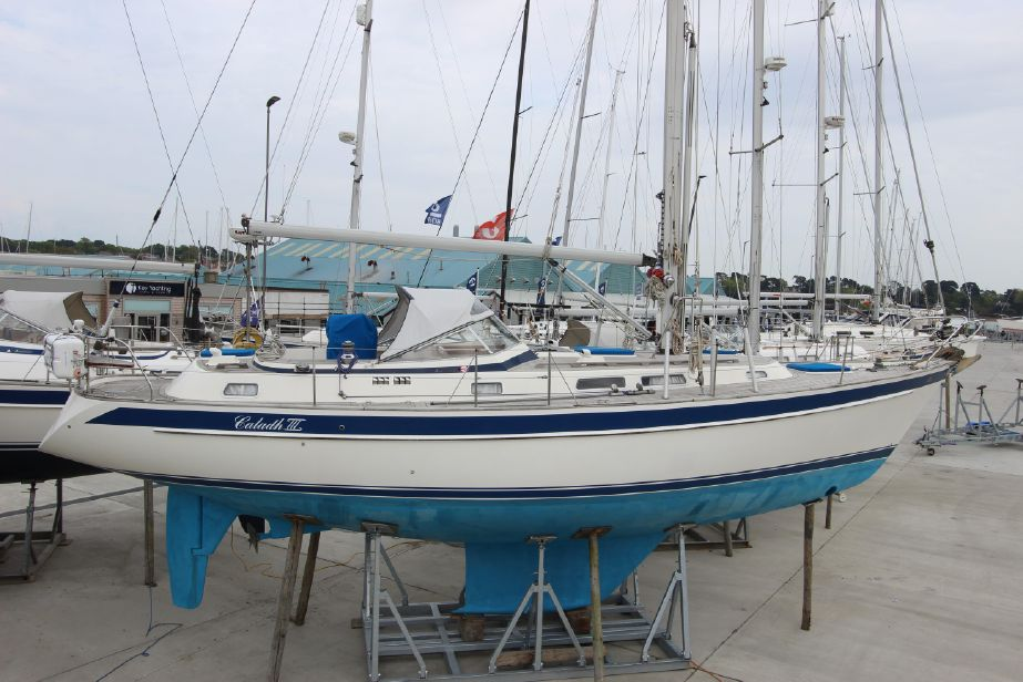 1998 Hallberg-Rassy 39 Sail New and Used Boats for Sale - www