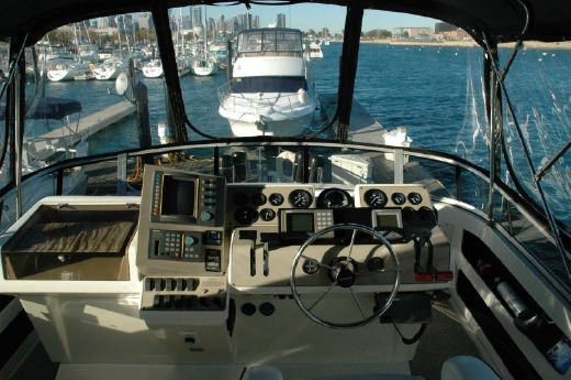 1996 Carver 400 Cockpit Motor Yacht