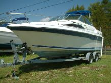1991 Sea Ray 220 Cuddy Cabin