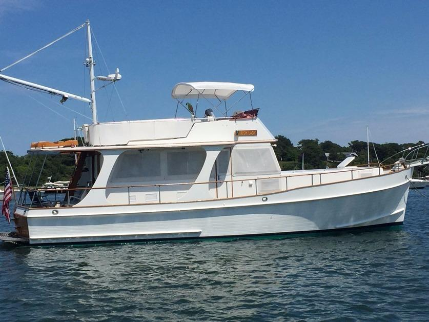 Yacht for Sale: 46' Grand Banks Heritage Europa 1996