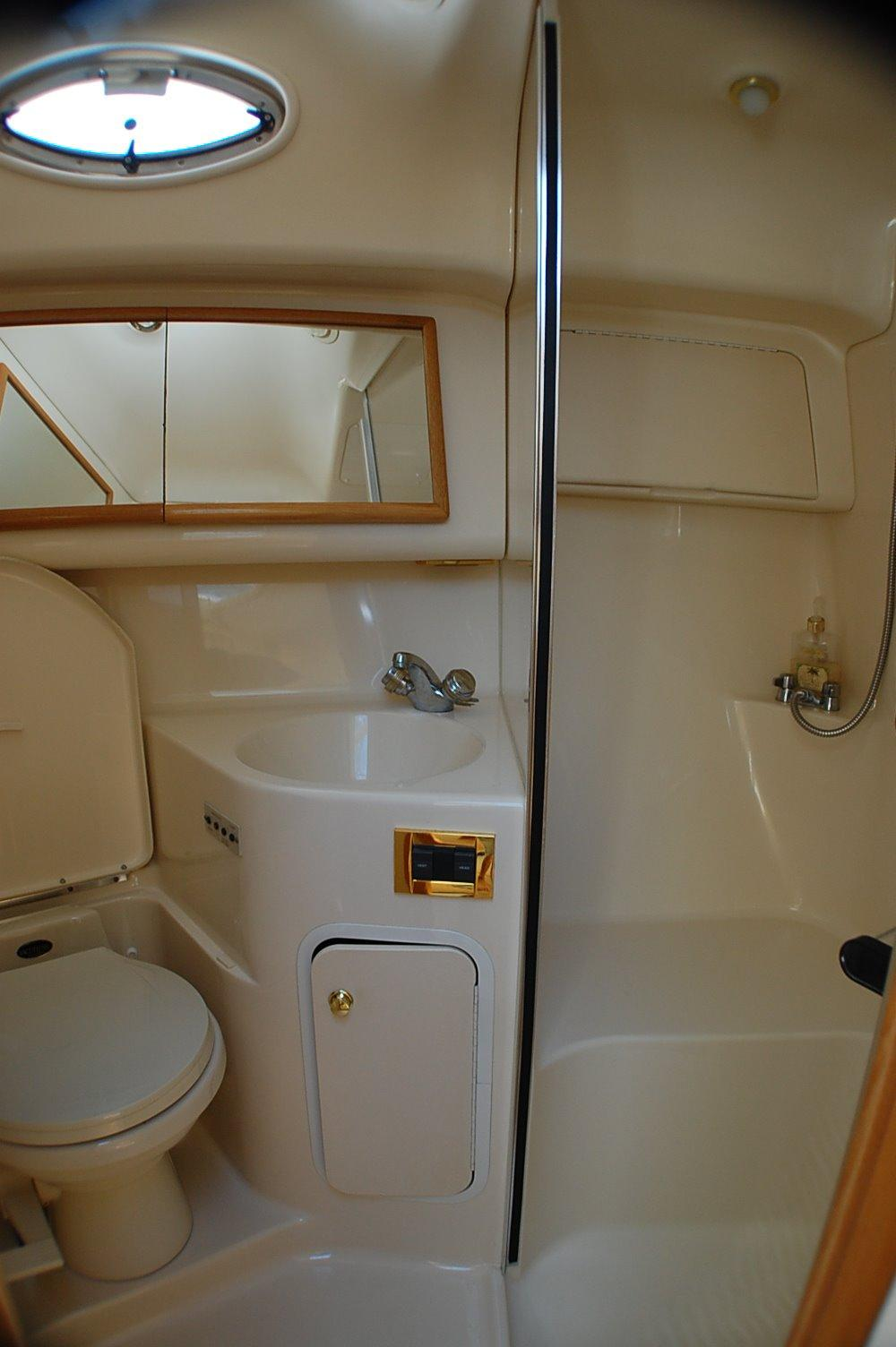 photo of  42' searay 420 Aft Cabin