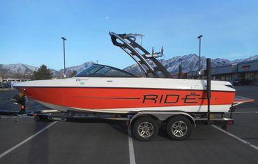 2012 Malibu V-Ride Bowrider
