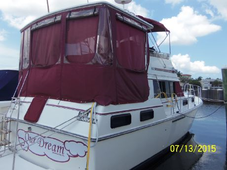1988 Carver 36 Motor Yacht