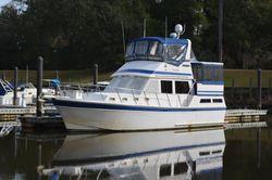 1986 Present Yachts 38 SUNDECK