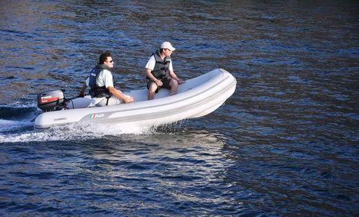 2016 Ab Inflatable 12 VS Navigo Deluxe