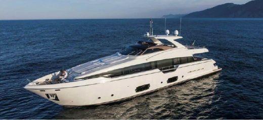 2015 Ferretti Yachts 960