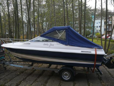 1998 Bayliner 2052 Capri Cuddy