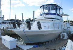 1990 Vista 38 Sun Deck Trawler