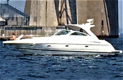 2003 Cruisers Yachts 3970 Express