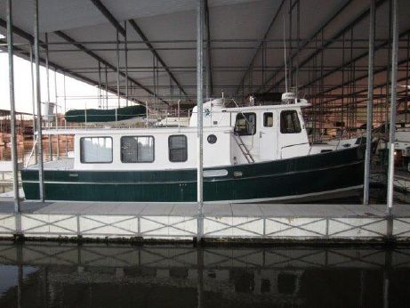 2001 Pacific Trawlers 37 Pilothouse