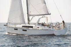 2019 Beneteau Oceanis 35.1