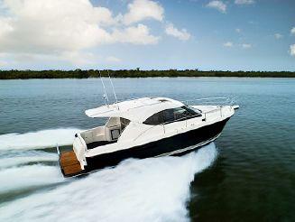 2017 Riviera 3600 Sport Yacht Series II