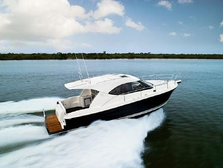 2015 Riviera 3600 Sport Yacht Series II
