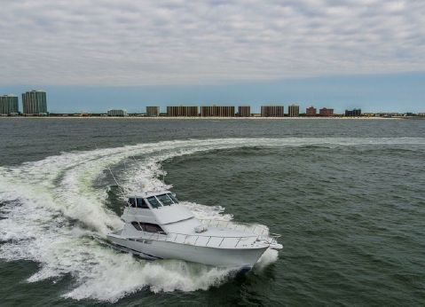 2002 Hatteras 60 enclosed bridge