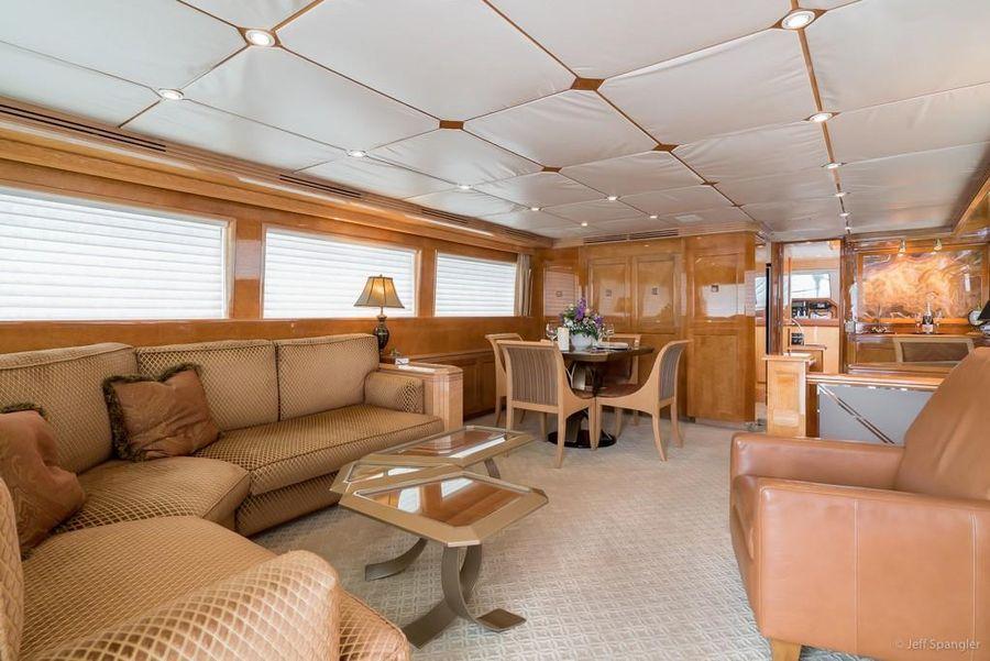 Hatteras 70 Luxury Motor Yacht Salon