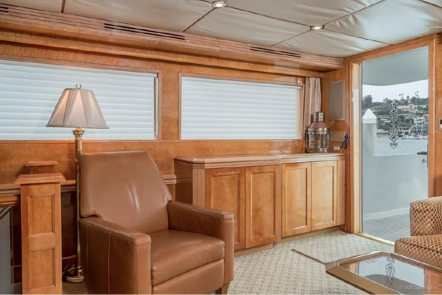 Hatteras 70 Used Luxury Motor Yacht for sale in California