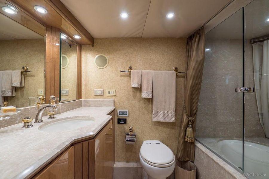 Hatteras 70 Luxury Motor Yacht Master Head