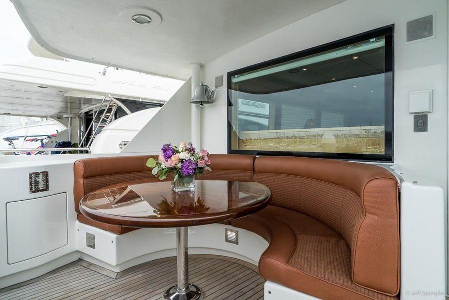 Hatteras 70 Motor Yacht Cockpit Settee