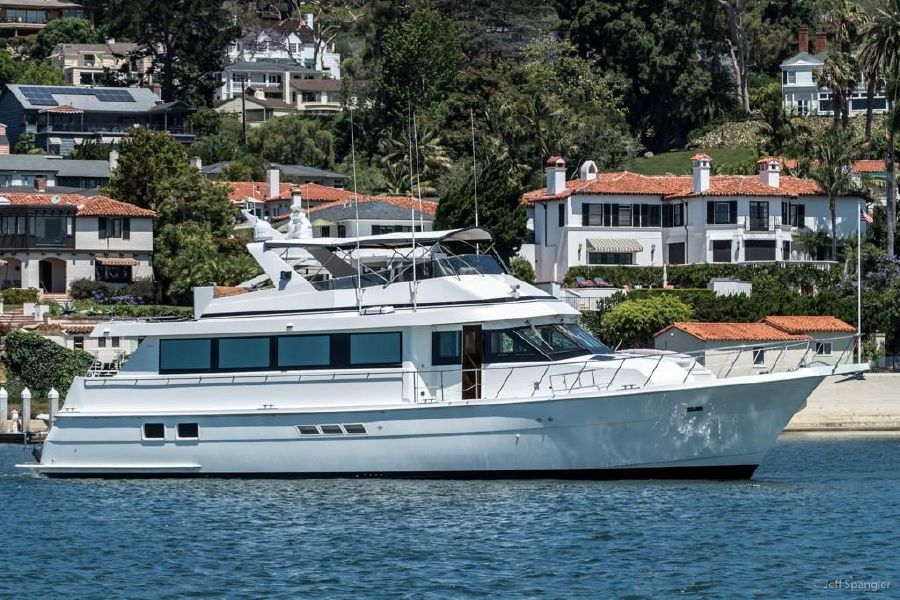 Hatteras 70 Luxury Motor Yacht for sale in California