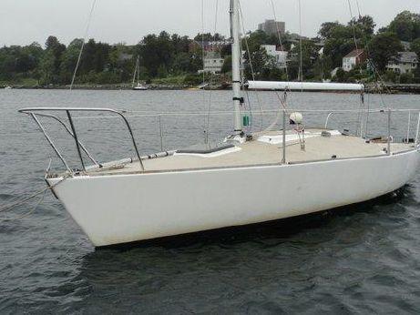 1985 J Boats 24