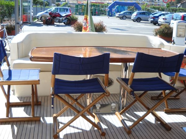 Azimut Azimut 68E Type Motor. This Azimut 68 Evo built in 2008 is in ...