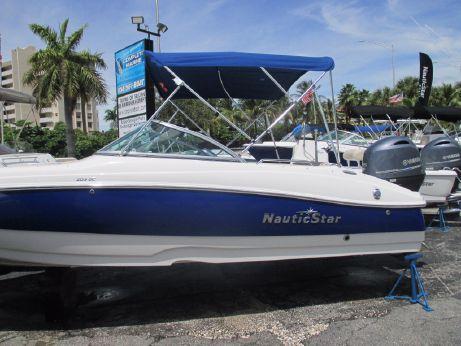 2016 Nautic Star 203 DC