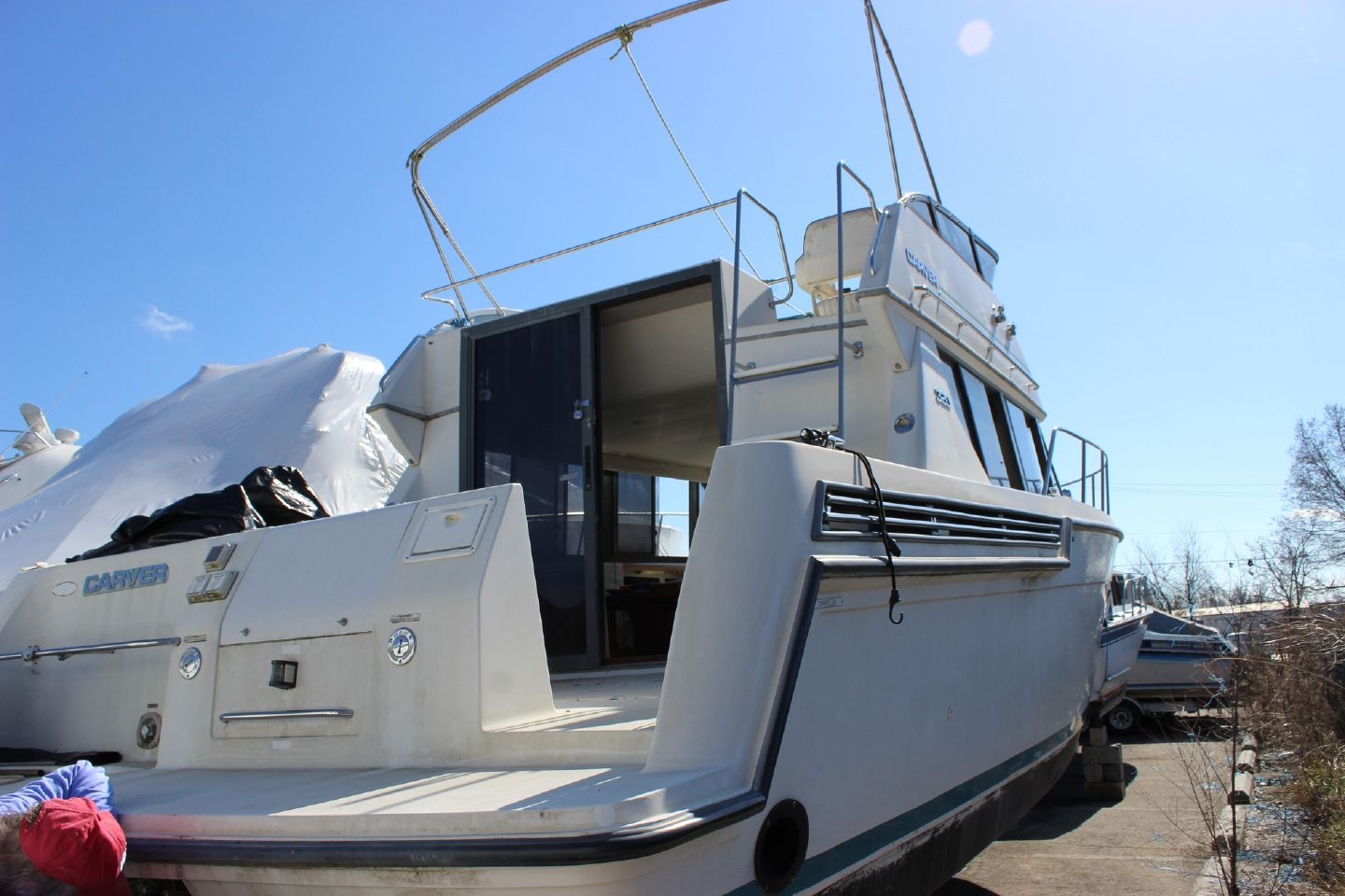 1994 Carver 320 Voyager Dominion Yachts
