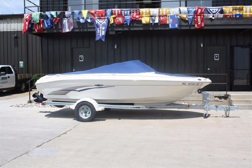 2003 Sea Ray 185 Bow Rider