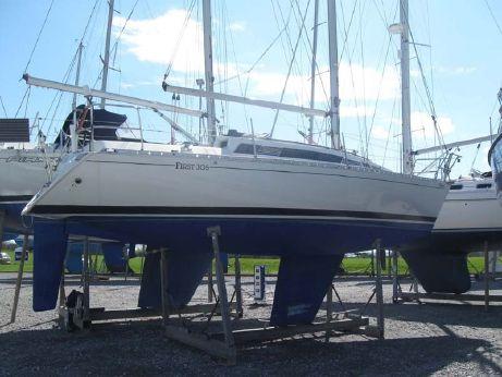 1986 Beneteau First 305