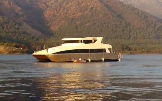 2011 Lunas 80 Luxury Power Catamaran