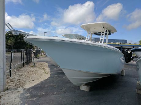 2017 Key West 244 Center Console