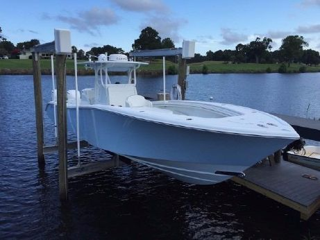 2015 Yellowfin Yachts Center Console